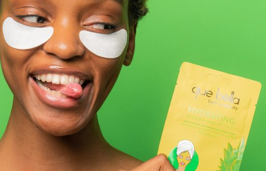 Stay youthful with glowing skin and bright eyes using an under eye gel mask